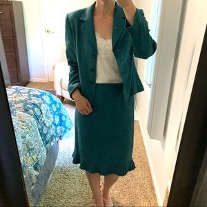 Suit Studio Blue/Green Skirt Suit Women's size 6P